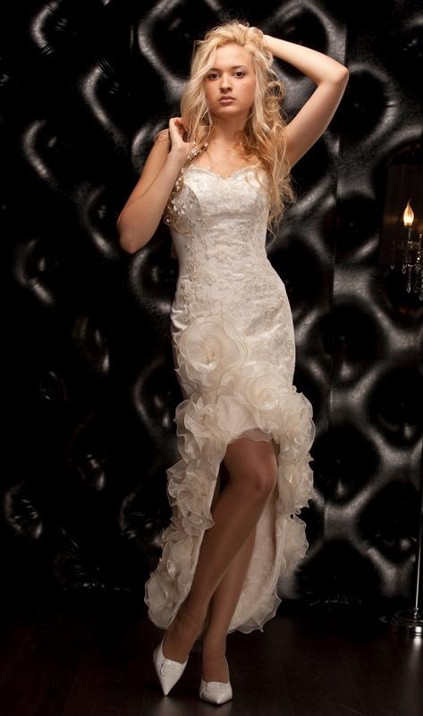 Свадебные платья Модель U 115