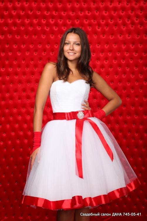 Свадебные платья Модель U 100