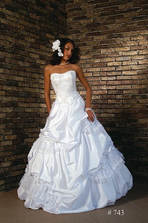 Свадебные платья Модель 743