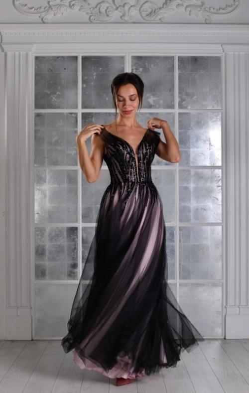 Женские платья Платье  UN 428