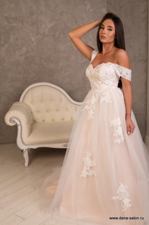 Свадебные платья Гелла